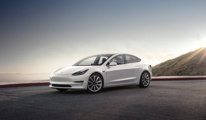 Tesla Model 3 Long Range AWD 4d vol