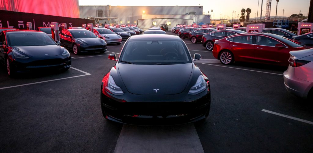 Tesla Model 3 Prijzen Voltic Electric Lease
