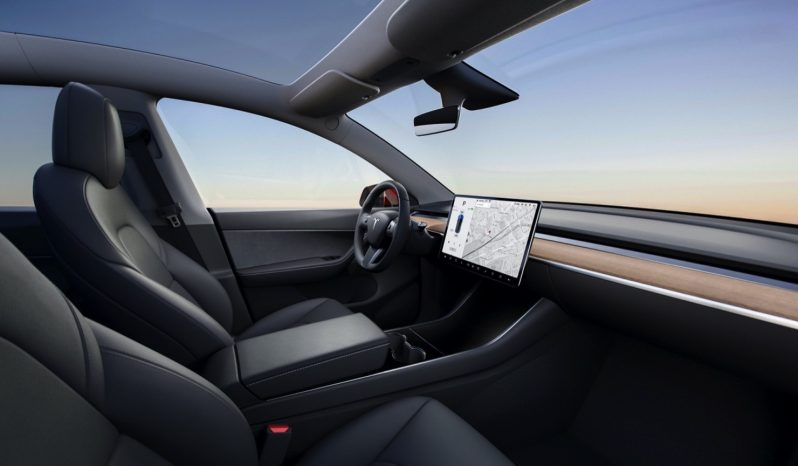 Tesla Model Y Long Range vol